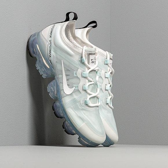 Nike Shoes - Nike vapormax shoe